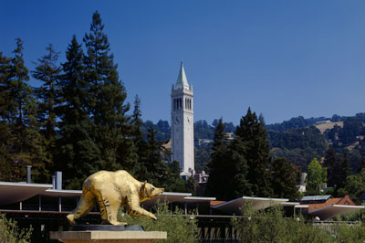 UC Berkeley Campanile and bear. Photo by Alan Nyiri, Atkinson Photographic Archive.